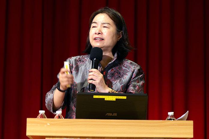 「總裁大律師」蔡慧玲清大演講 全場爆滿獲熱烈回響